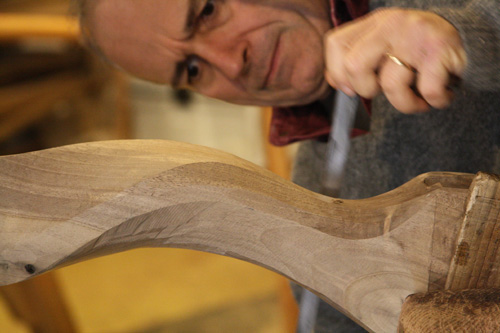 Saverio Pastor shaping the wood