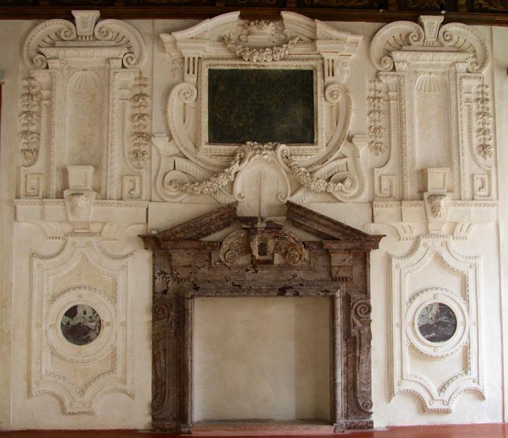 Venice, Grimani Palace, Monster fireplace