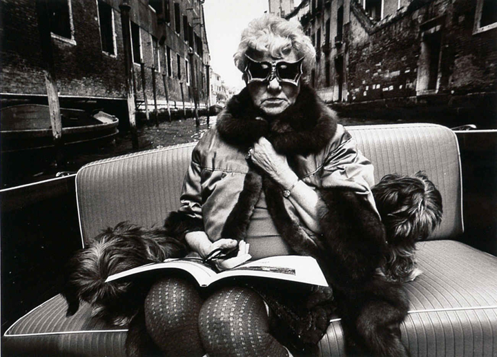 Peggy Guggenheim in Venice and her dogs