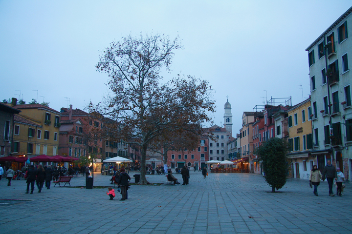 Dorsoduro, Campo Santa Margherita at dusk