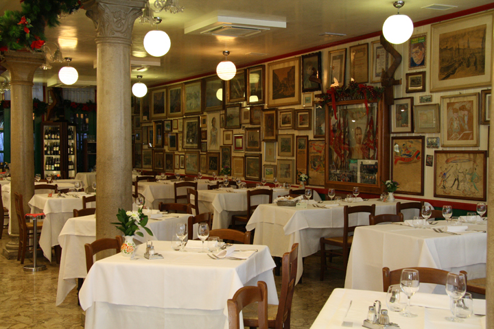The trattoria Da Romano on the island of Burano, a real painting gallery!