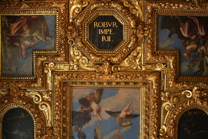 Frames in gilded wood in the Collegio Hall, Doge's palace, Venice