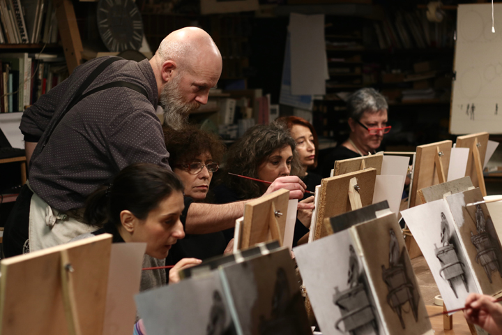 David Dalla Venezia in his workshop teaching oil painting at the Bottega del Tintoretto, Venice