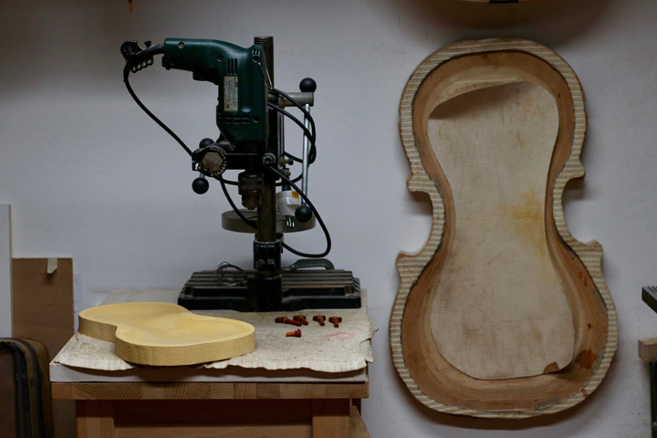 At Riccardo Guaraldi, a luthier's workshop in Venice, Details