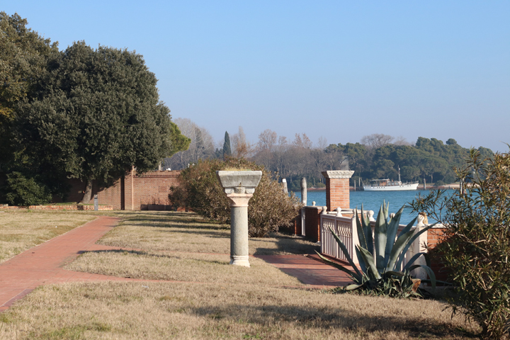 Winter view of the garden around the villas Hèriot facing the Venetian lagoon, Giudecca