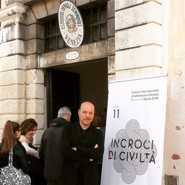Eraldo Affinati at the entrance of the Women's Prison at the Giudecca, Incroci di Civiltà, Venice 2018 in collaboration with Closer Associazione