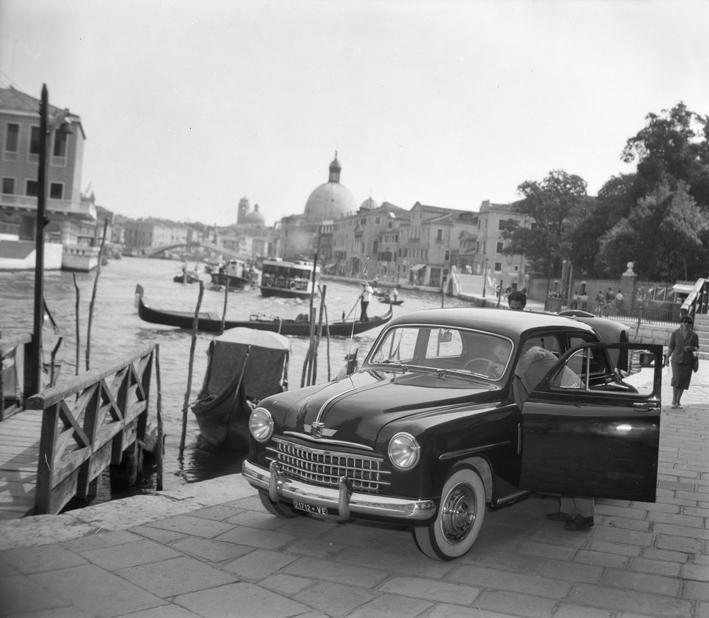Cars in Venice, 1950, CameraPhoto Epoche©, Venice